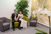 Brautpaar beim Standesamt.